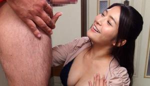 Screenshot 2020 07 12 彼女のお姉さんは巨乳と中出しOKで僕を誘惑 めぐり 300x173 - 【めぐり】妹の彼氏をNTR この爆乳に撃沈
