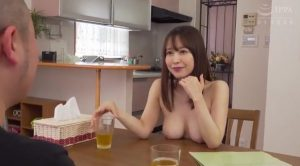 篠田ゆう 300x166 - 【篠田ゆう】回覧板を届けにきた男に全裸で対応する人妻