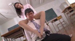 吉高寧々 300x167 - 【吉高寧々】スレンダーな女教師が足コキ 保護者に痴女行為