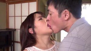 接吻NTR 永瀬ゆい 300x168 - 【永瀬ゆい】息子の彼女をNTR 絡み合う汗と唾液