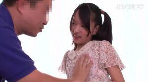 筆おろし初体験 童貞さんをプロデュース あべみかこ 300x166 - 【あべみかこ】年上の童貞素人を筆下ろし 貧乳を揉ませる
